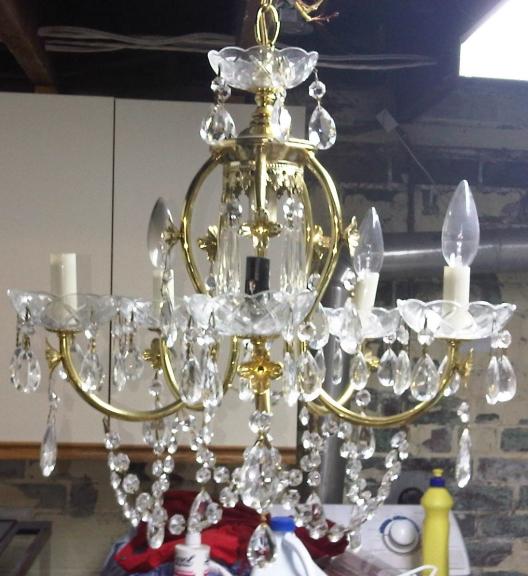 Diy chandelier makeover flohaus diy chandelier makeover aloadofball Choice Image